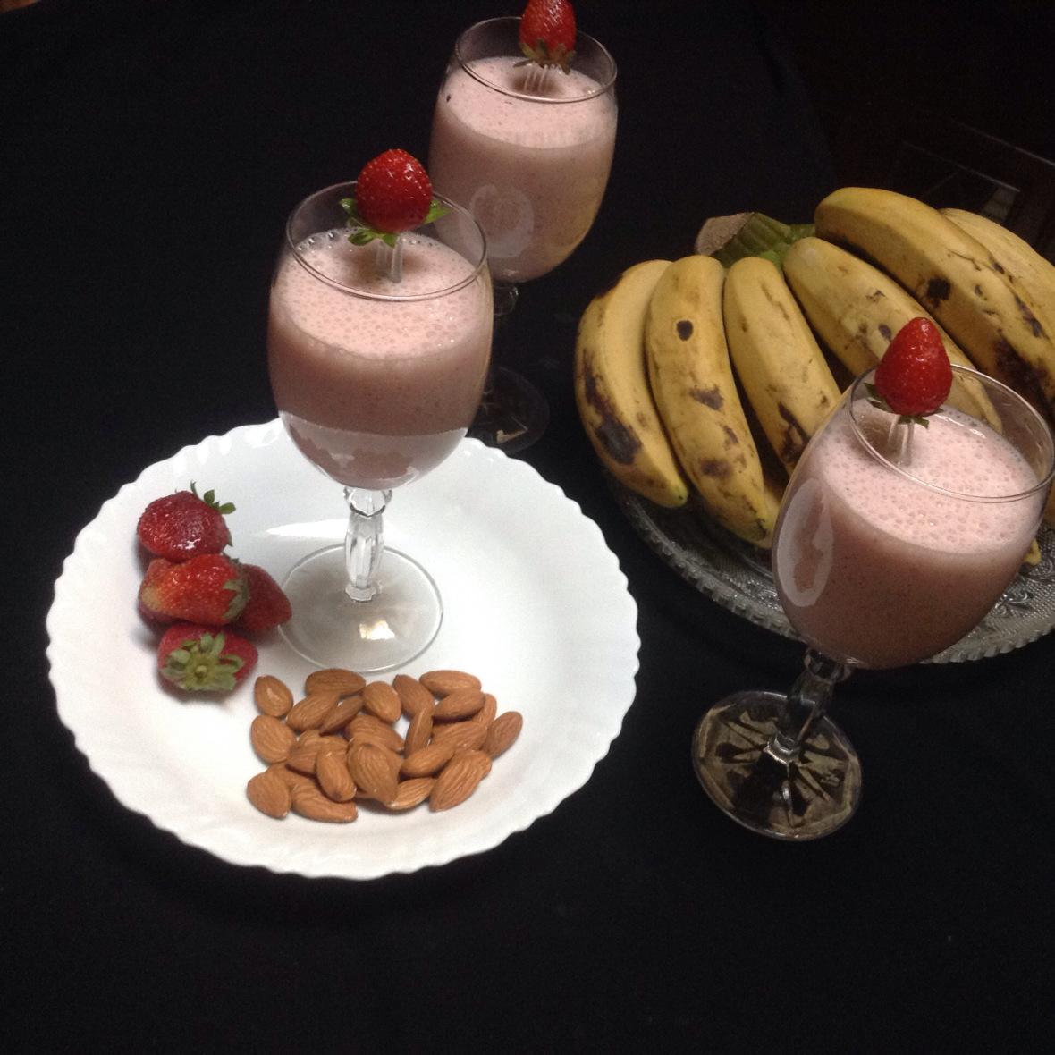 Fruits and Almond Milkshake