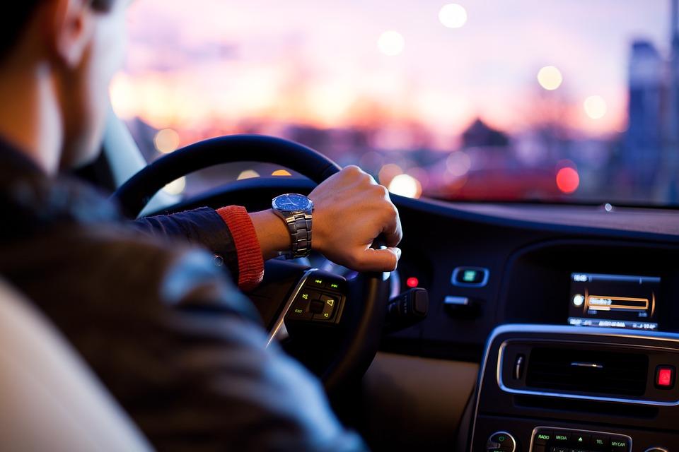 driver-1149997_960_720 (1)
